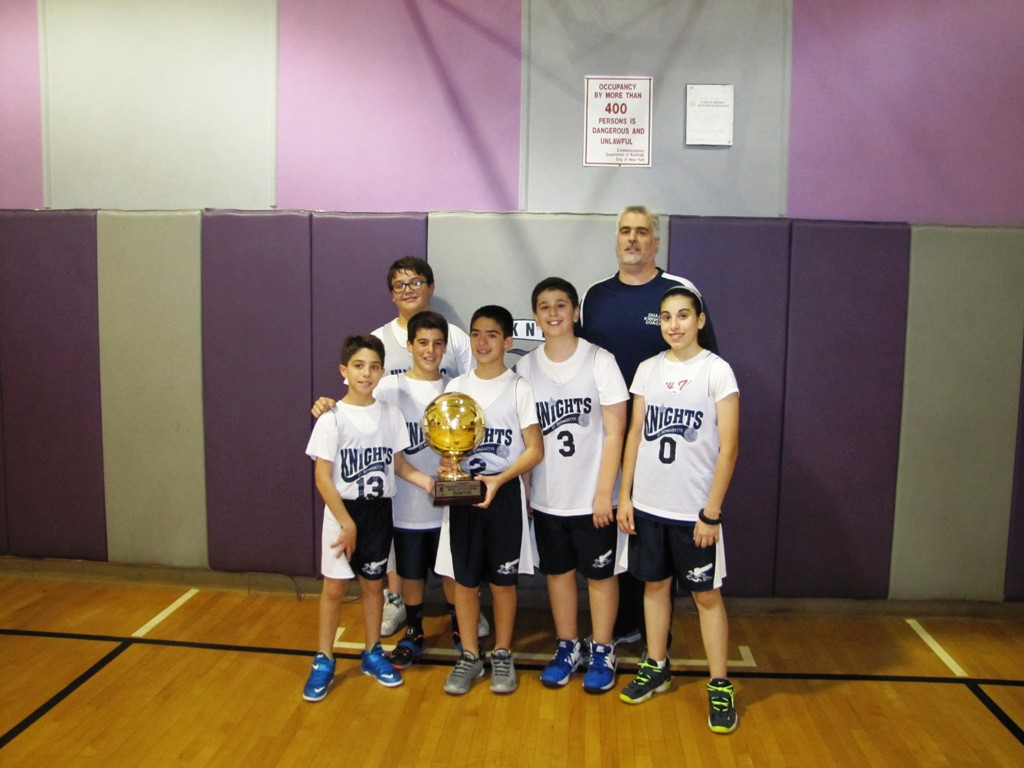 Basketball2015champs06